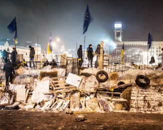 The pro-European manifestants are rebuilding the baricades around the independance place after that the Riot police destroyed them during the night. dec 11th 2013.